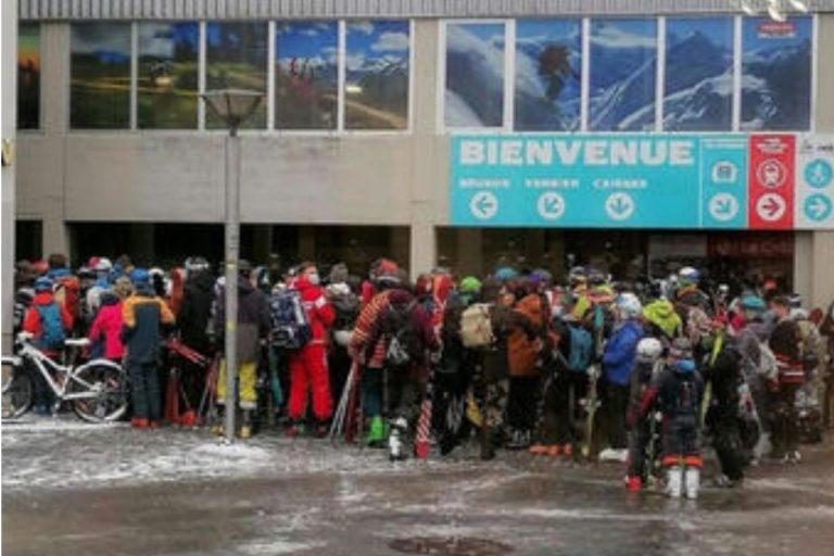 Svizzera folla entrata funivia