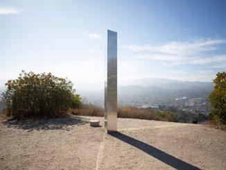 Terzo monolite di metallo in California, dopo Utah e Romania
