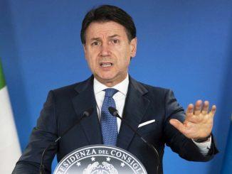 Crisi di governo, Conte sale al Quirinale per firmare l'interim dei Ministeri vacanti