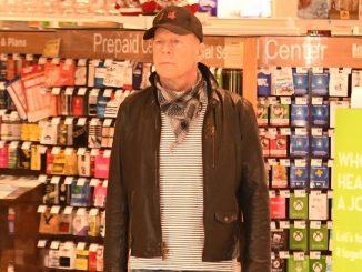Bruce Willis viene mandato via da una farmacia: ecco la verità