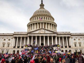 """Usa, FBI: """"Proteste armate pianificate in 50 Stati"""", è allarme"""