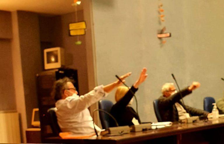 cogoleto-saluto-fascista-consiglio-comunale