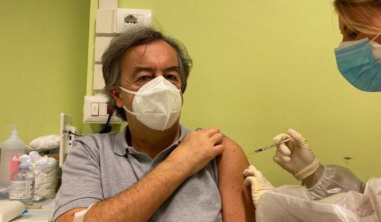 covid Roberto Burioni vaccinato