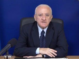 """Crisi di governo, De Luca: """"In Italia serve riaprire i manicomi"""""""