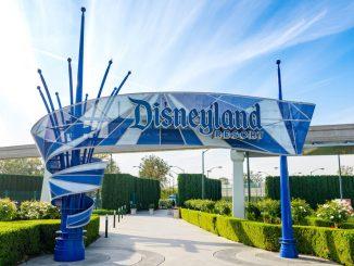 Covid, in California anche Disneyland si trasforma in un centro vaccini