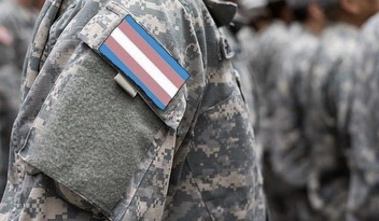Rimosso il divieto di Trump di far entrare i transgender nell'esercito Usa