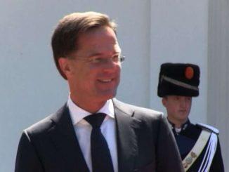 Olanda, scandalo frodi welfare: Rutte (e il governo) si dimettono