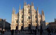 Ressa nelle vie dello shopping a Milano prima della zona rossa
