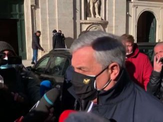 Crisi, Tajani: sì a scostamento e ristori, no a questo governo