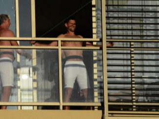 Australian Open, Djokovic in quarantena si allena in terrazzo