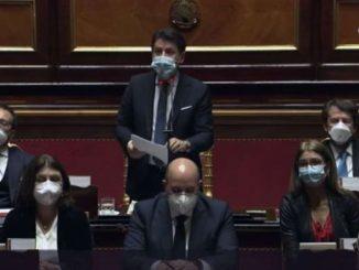 Governo, lo scontro finale tra Conte e Renzi al Senato