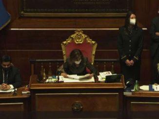 Governo, premier Conte ottiene la fiducia con 156 voti a favore