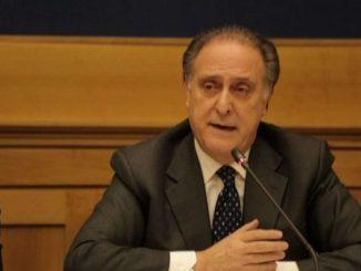 Colpo alla 'ndrangheta: 50 arresti, indagato Lorenzo Cesa