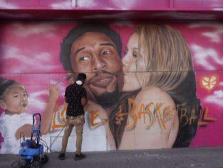 I writers di Los Angeles celebrano Bryant a un anno dalla morte
