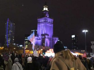 La Polonia insorge: entra in vigore la legge contro l'aborto