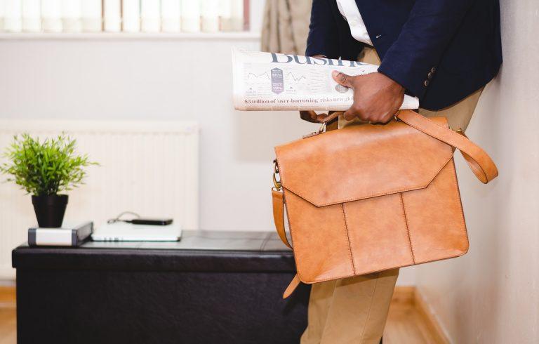 Cartelle da lavoro: i migliori modelli per l'uomo