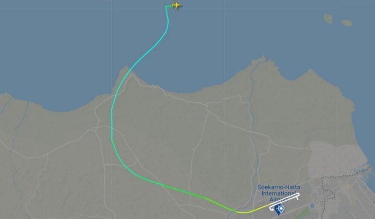 indonesia Boeing 737 precipita in mare