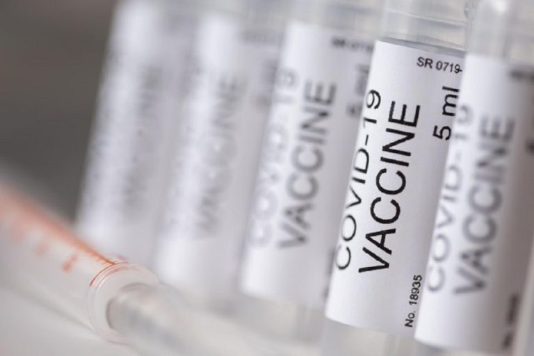 a londra si pensa di vaccinare più persone con una sola dose di vaccino