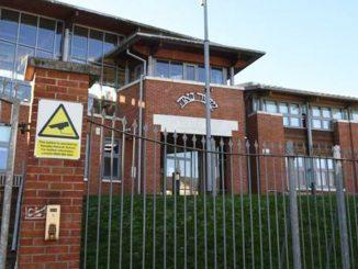 Londra, matrimonio in una scuola per poter aggirare norme anti Covid