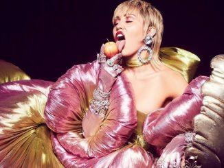 """""""Preferisco le donne agli uomini"""": Miley Cyrus si confessa"""