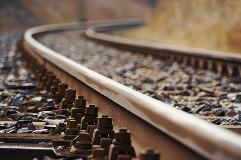 17enne travolto dal treno