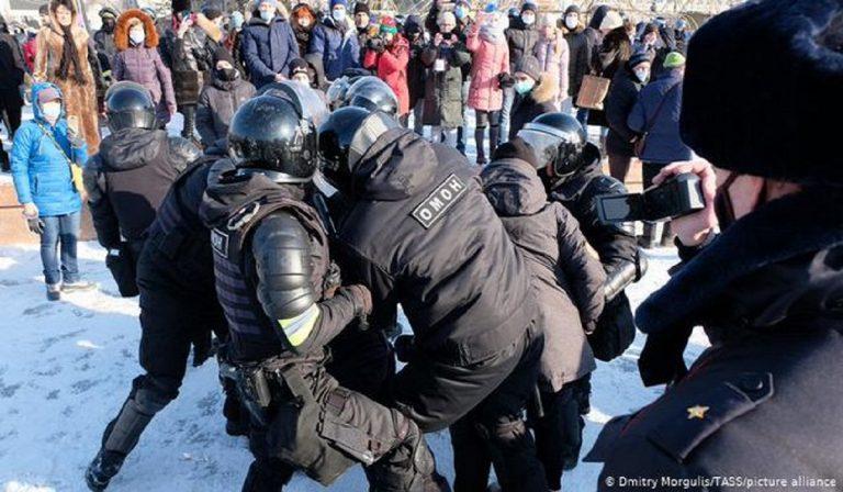 arresti in russia a seguito delle proteste a favore di navany