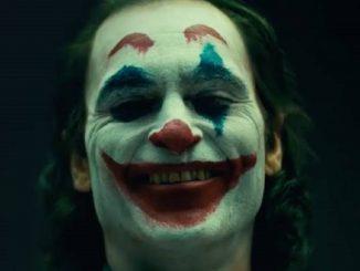 A Milano due adolescenti si tagliano le labbra per essere Joker