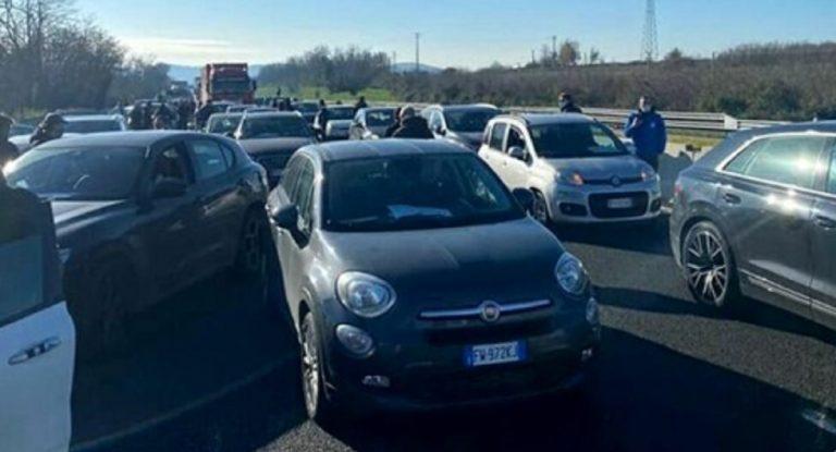 ristoratori bloccano autostrada
