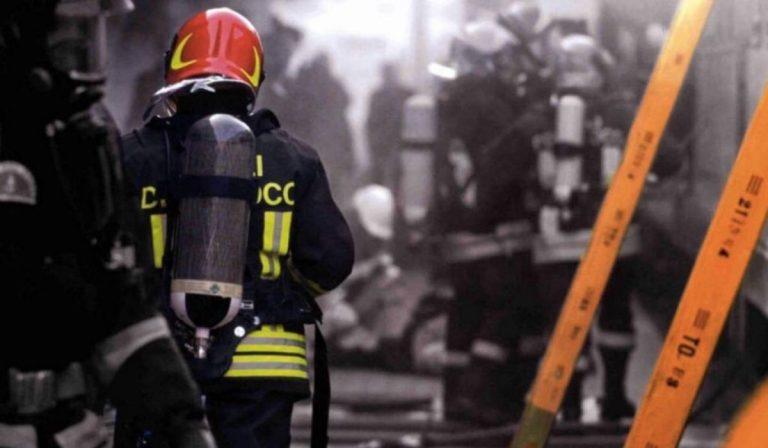 Roma balconi in fiamme botti