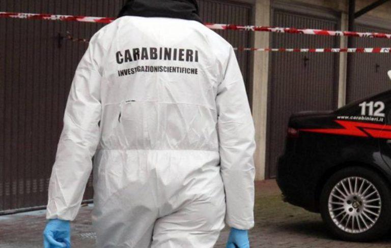 Uccide moglie e figlio a Torino