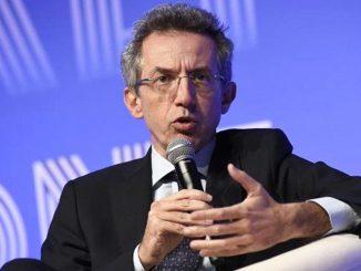 """Università, il ministro Manfredi: """"La didattica riparta mista al 50%"""""""