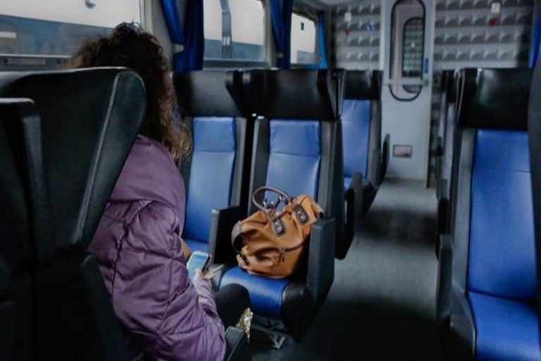 16enne molestata sul treno carabiniere