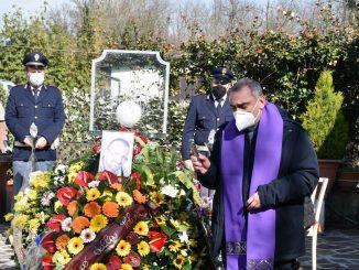 Commozione al funerale di Alessandro