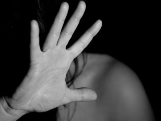 abusi sessuali due minorenni