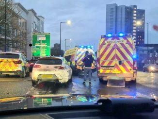 Auto rubata con bimbi a bordo, due giovani arrestati nel Regno Unito