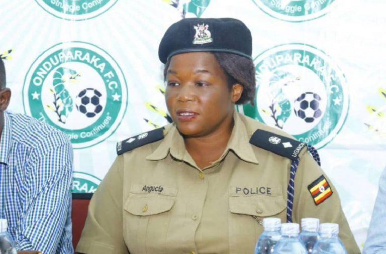 bomba uganda bambini morti