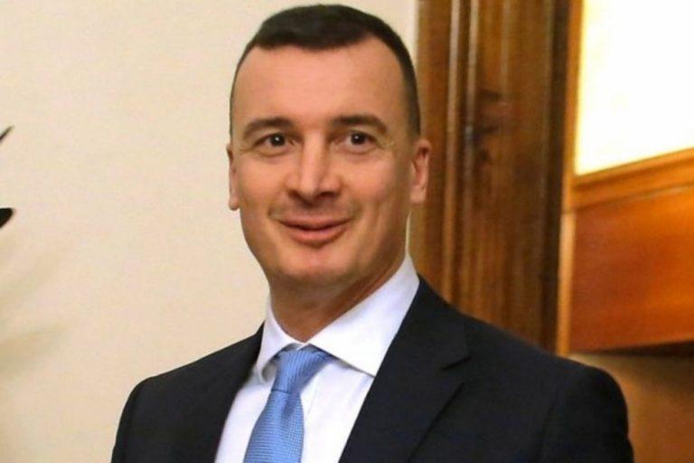 Casalino Draghi consiglio di parlare