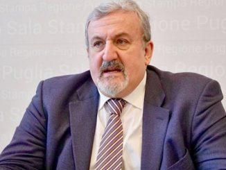Covid Emiliano chiude scuole Puglia