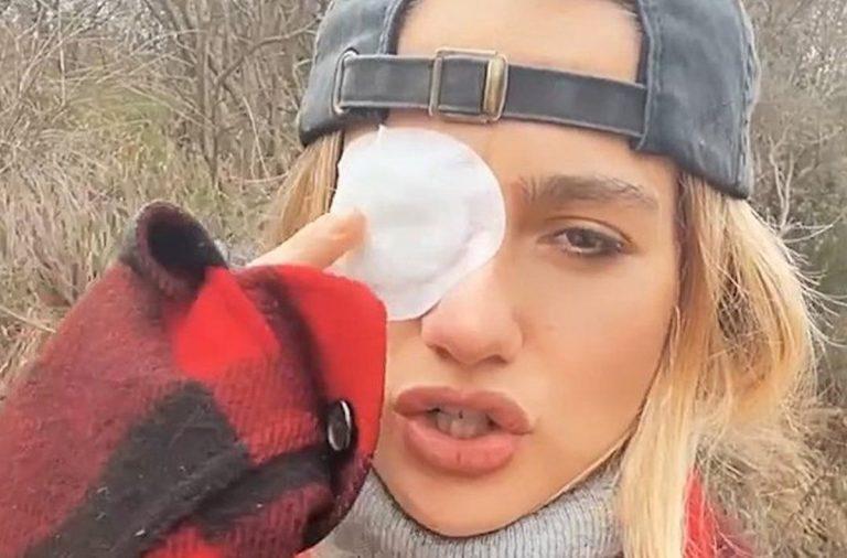 Cristina Marino occhio bendato