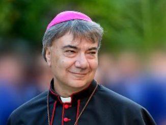 Don Mimmo Battaglia, arcivescovo di Napoli guarito dal Covid