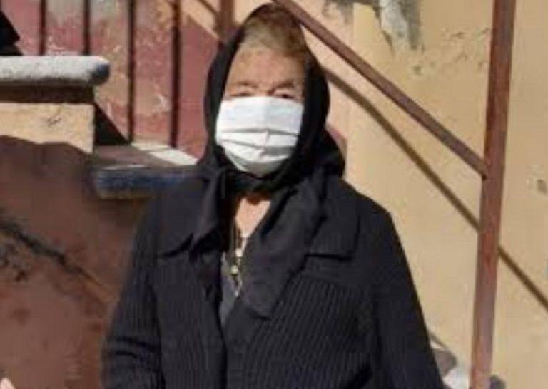 donna di 86 anni cammina 15 km per ricevere il vaccino