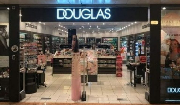 Douglas chiude 128 profumerie