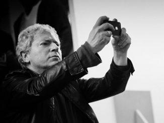 Morto Efrem Raimondi, il celebre fotografo è stato stroncato da un infarto