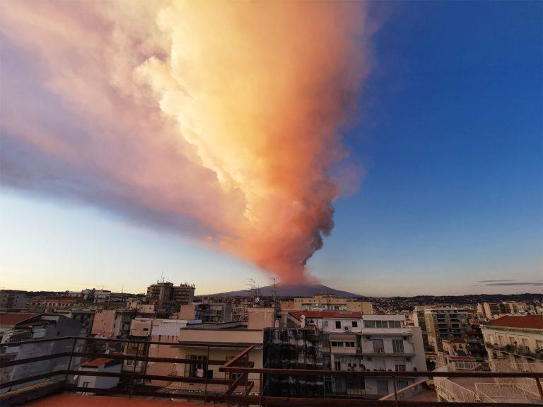 etna eruzione 768x576