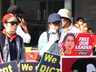 Myanmar, continua la protesta. Nuove accuse per Aung San Suu Kyi