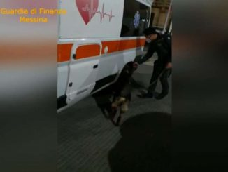 Messina, trasportavano 30 kg di droga in una ambulanza