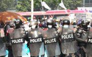 Myanmar, proteste e arresti: proiettili di gomma su dimostranti