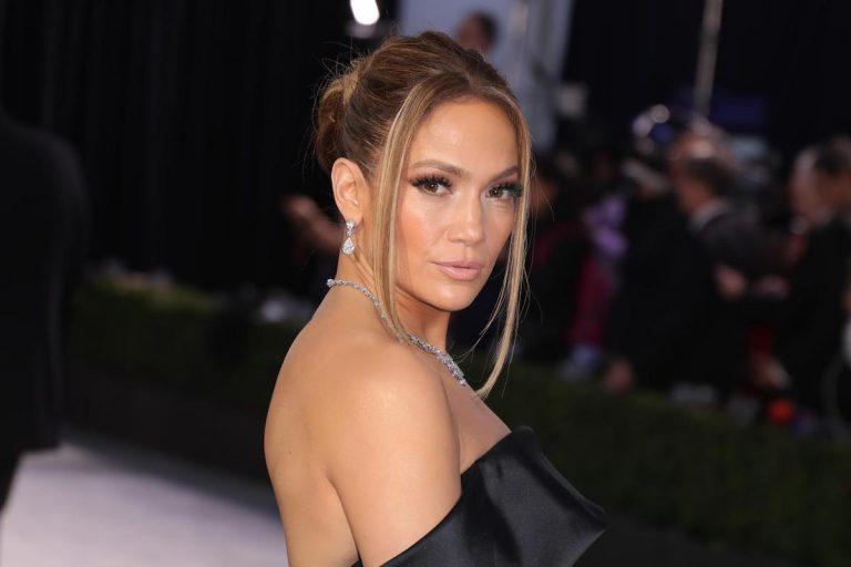 Jennifer Lopez senza trucco
