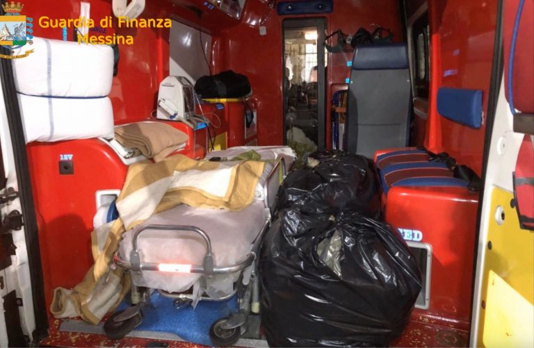 Messina, 30 kg di marijuana in un'ambulanza