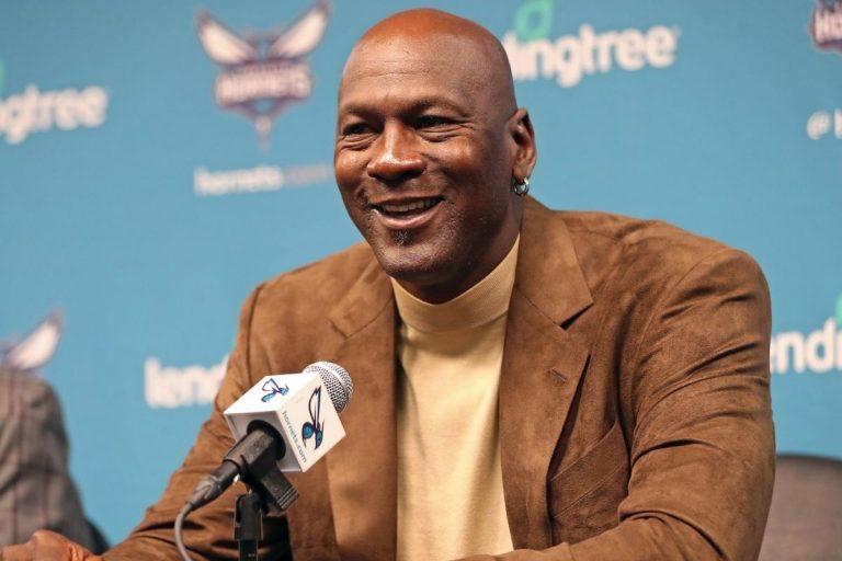 Michael Jordan dona 10 milioni